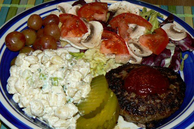 Name:  090511_burger_mac_salad.jpg Views: 20 Size:  138.1 KB