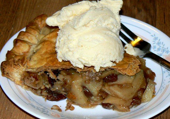 Name:  apple_pie_slice_112909_P1040852(1).JPG Views: 14 Size:  132.7 KB
