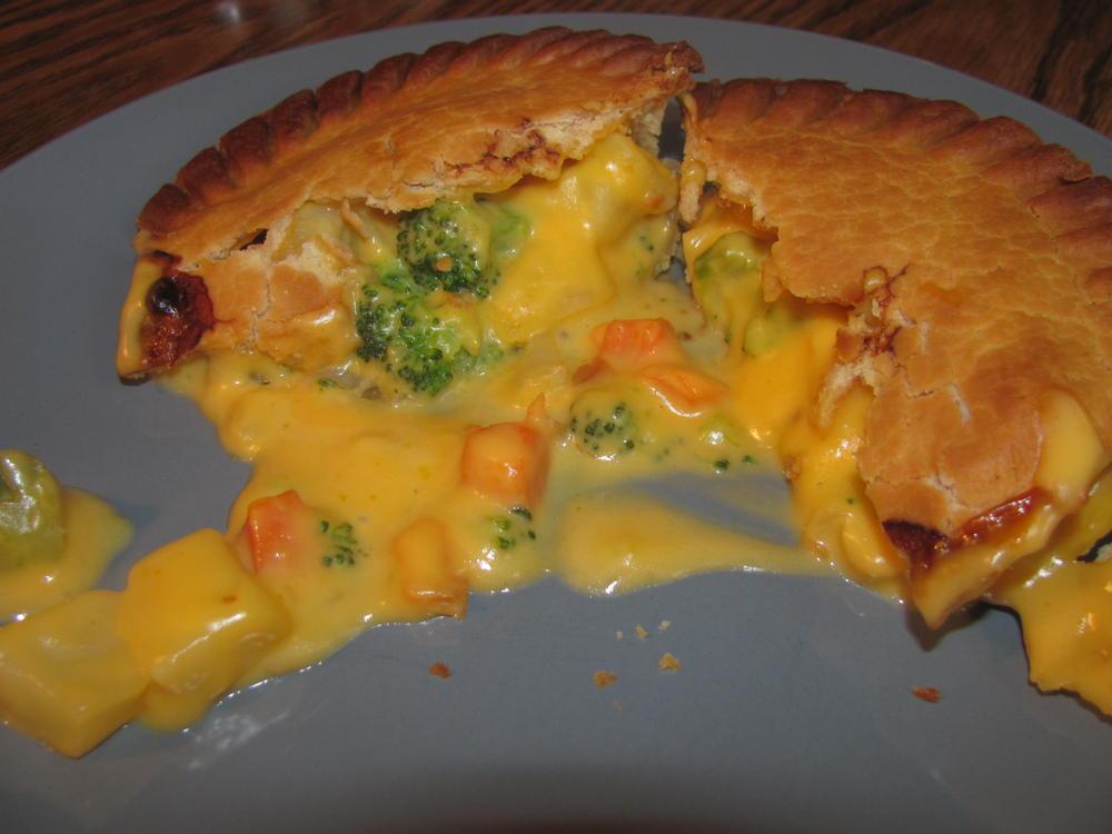 Name:  Broccoli Cheddar Potato Pie, Marie Calandaers.jpg Views: 66 Size:  71.1 KB