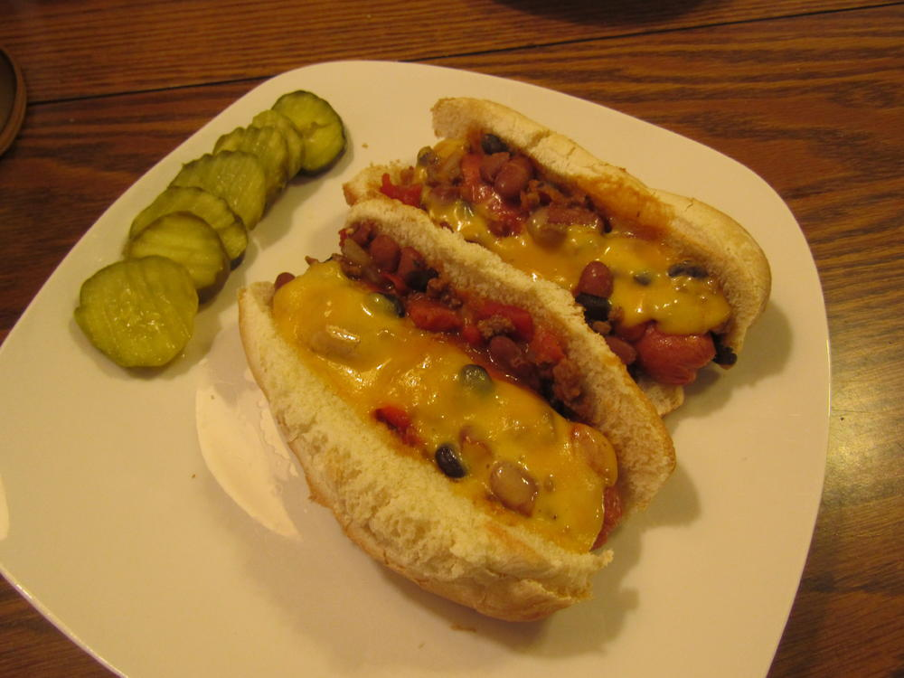 Name:  Chili-Cheese dogs.jpg Views: 82 Size:  79.2 KB
