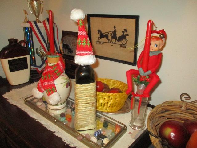Name:  Christmas elf on shelf.JPG Views: 58 Size:  143.9 KB