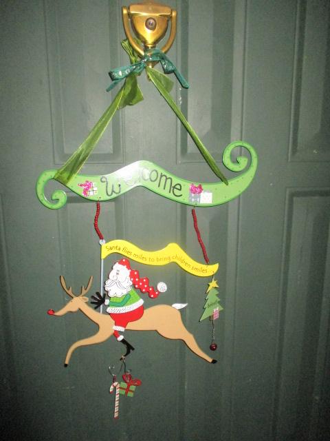 Name:  Christmas welcome door.JPG Views: 58 Size:  115.9 KB