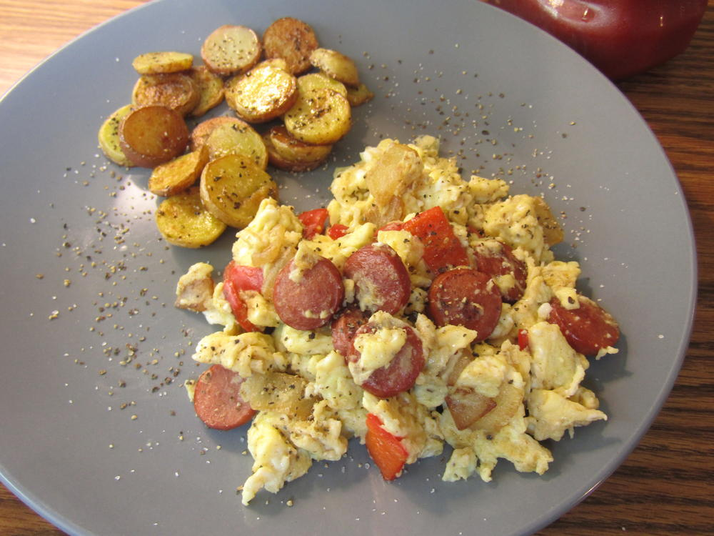 Name:  Egg, Pepper & Onion Scramble, with  Frank medallions .jpg Views: 120 Size:  104.7 KB