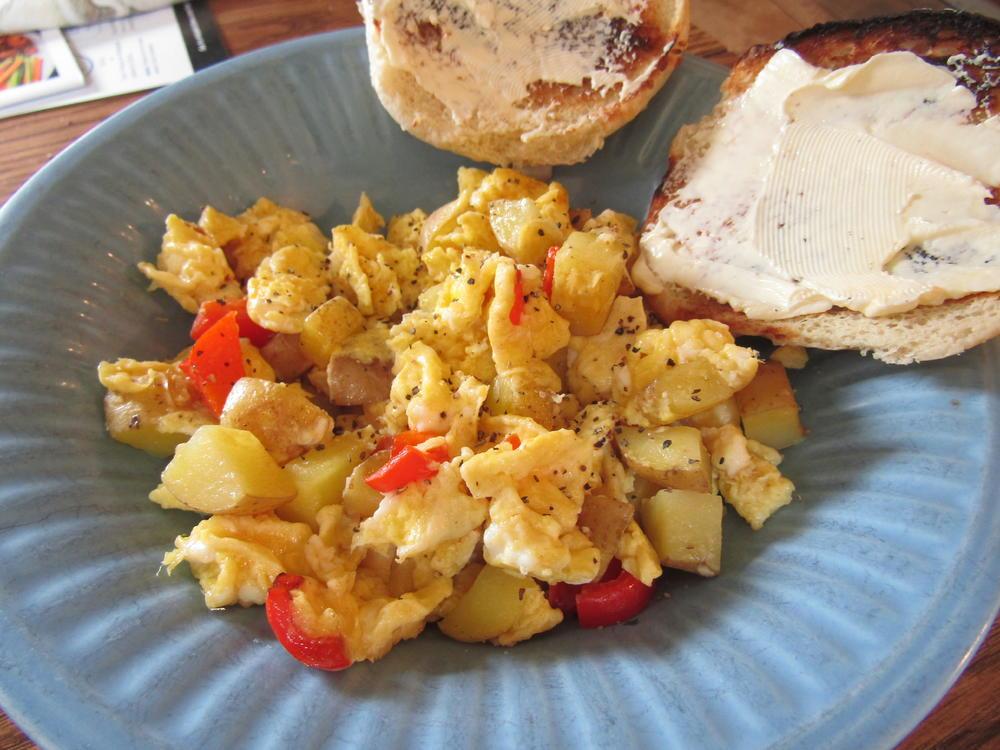Name:  Egg, Potato & Pepper Scramble.jpg Views: 45 Size:  110.5 KB