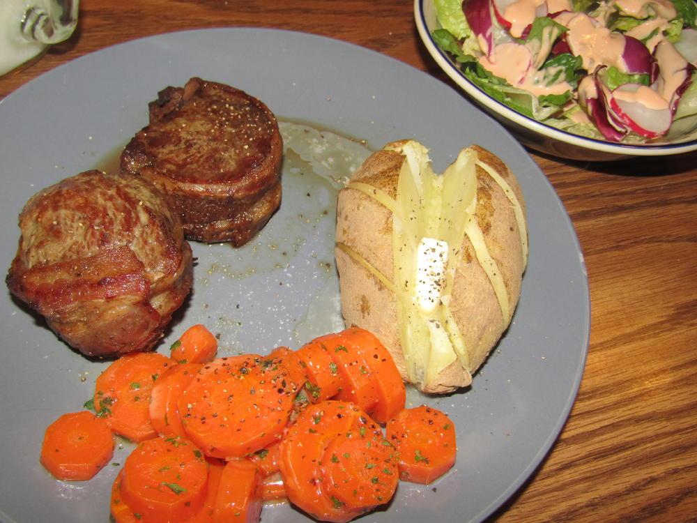 Name:  Filets, Bacon-Wrapped.jpg Views: 92 Size:  122.0 KB