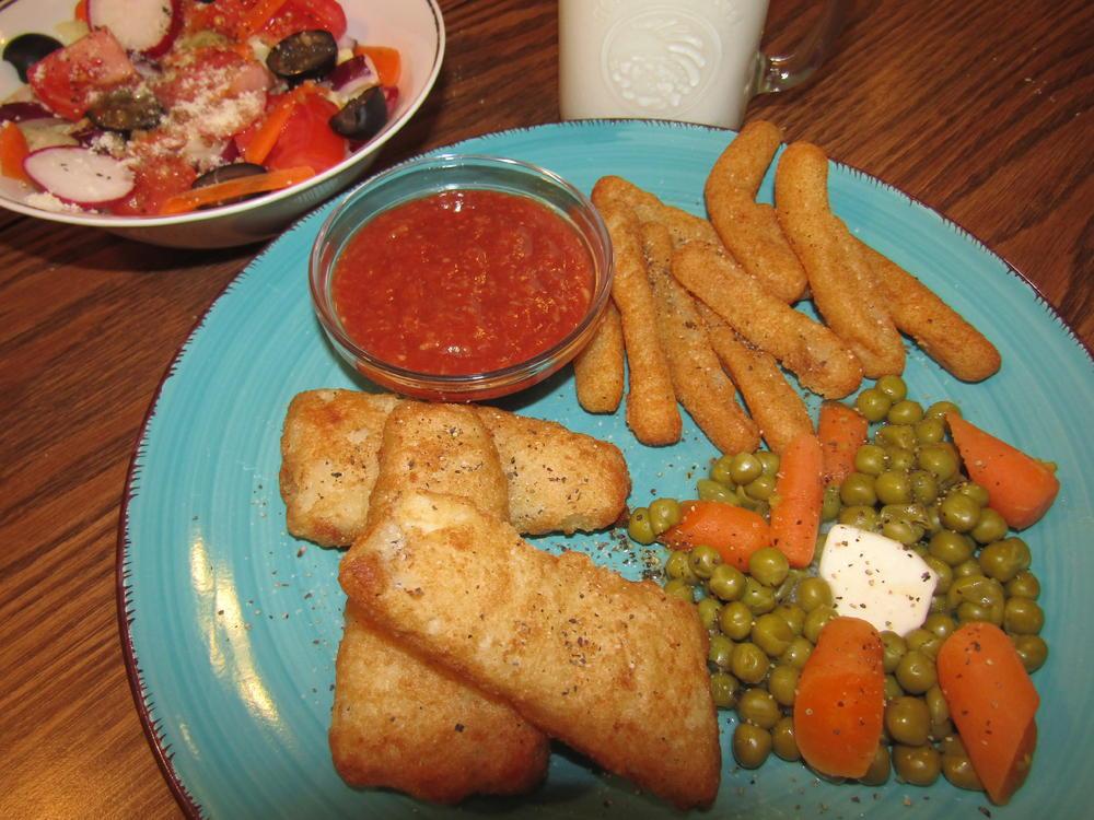 Name:  Fish Filets, Cauliflower Fries.jpg Views: 66 Size:  129.1 KB