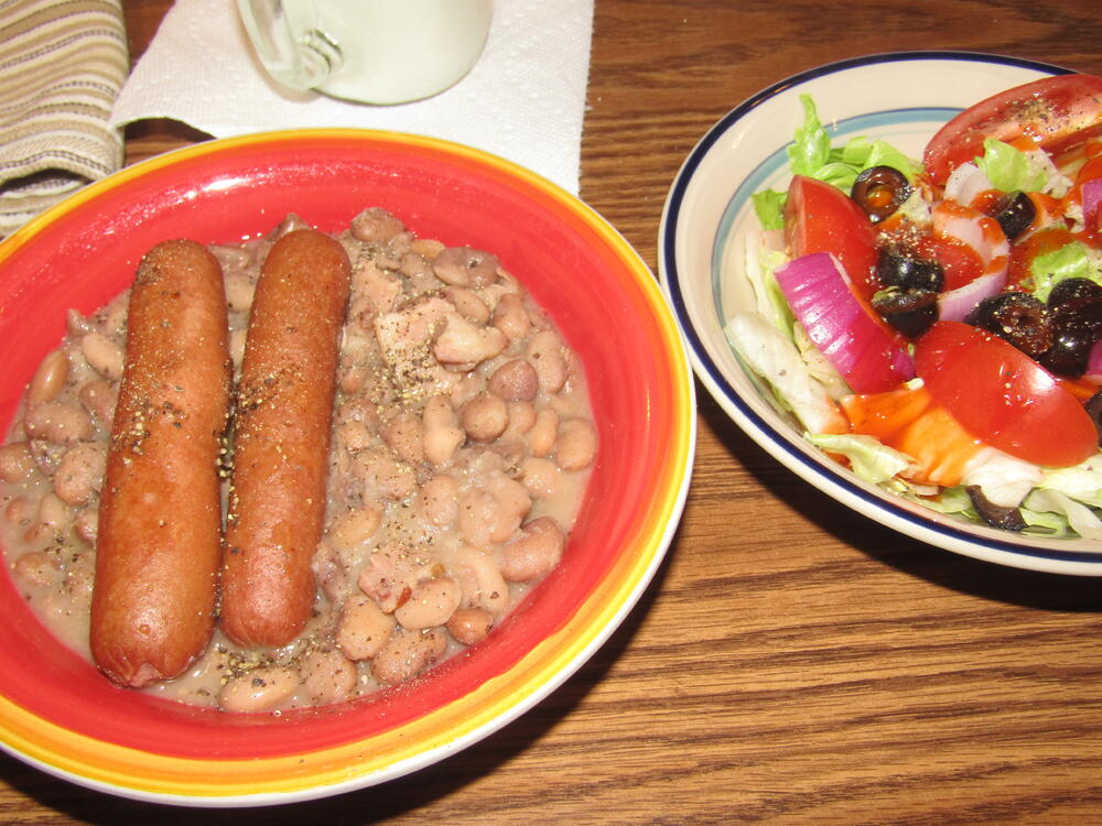 Name:  Franks & Navy Beans with Bacon.jpg Views: 37 Size:  139.4 KB