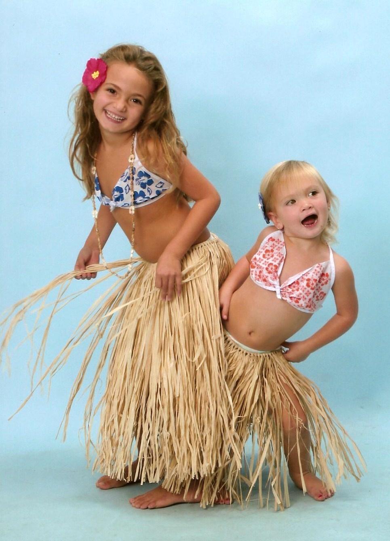 Name:  Girls hula 001.jpg Views: 64 Size:  256.7 KB