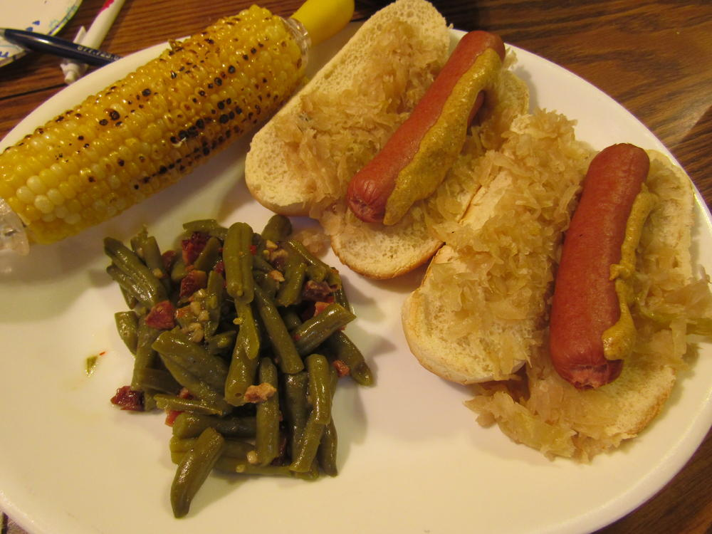 Name:  Hot Dogs, Grilled Corn, Sassy Beans.jpg Views: 64 Size:  97.7 KB