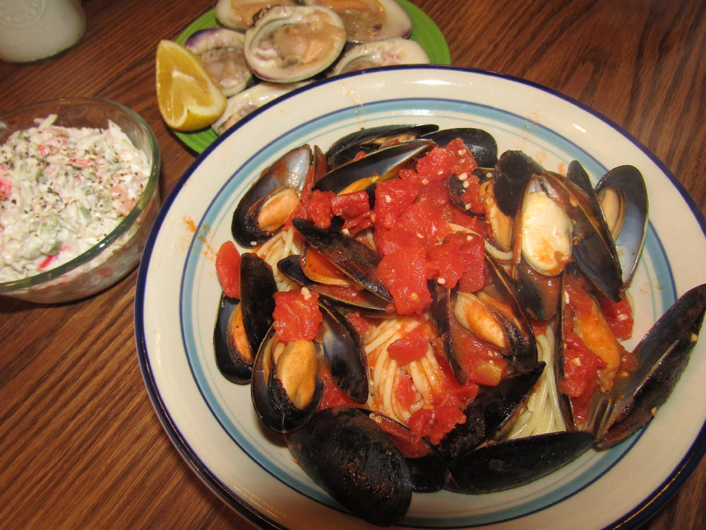 Name:  Mussels over Psta.jpg