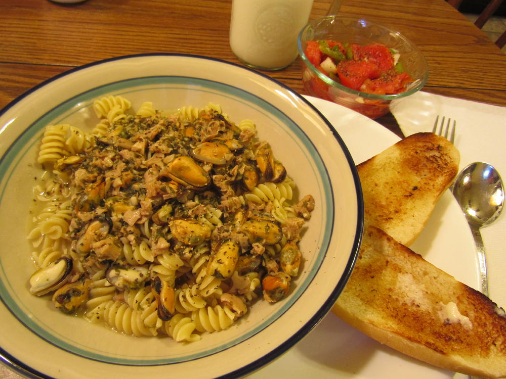 Name:  Rigatoni with Mussels in White Clam sauce.jpg