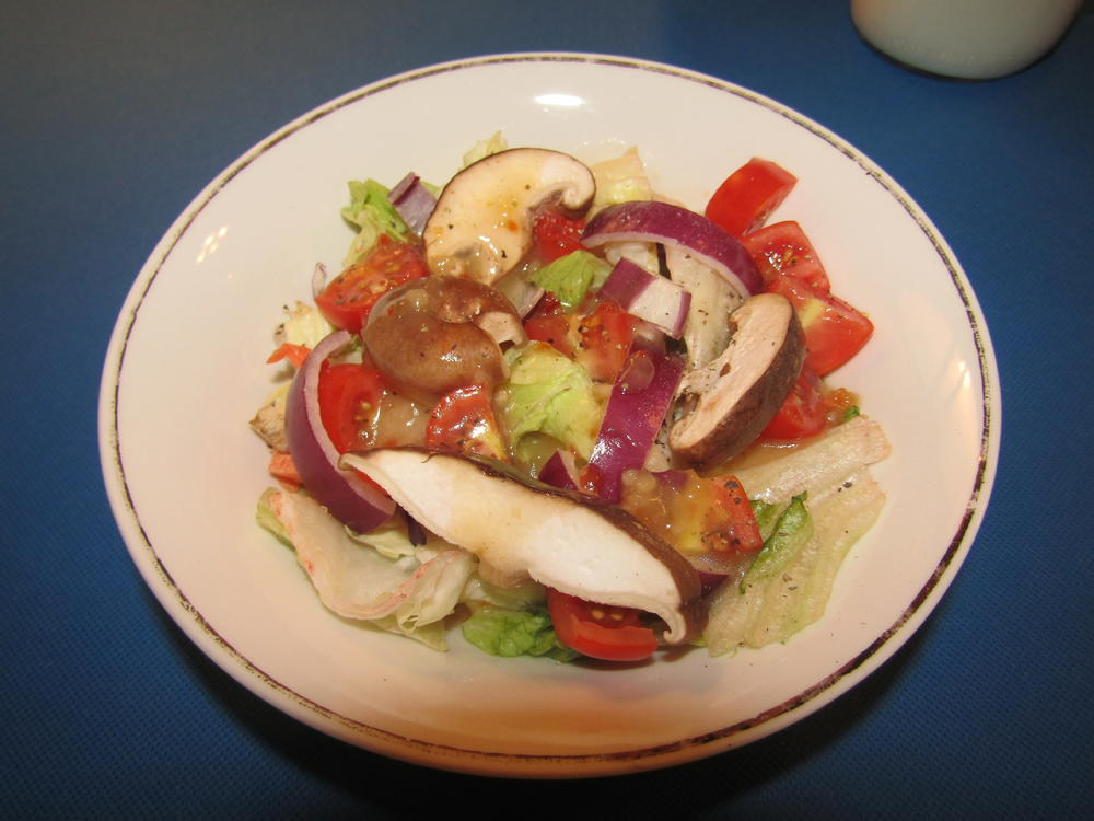 Name:  Salad, Tomato & Shitaki.jpg Views: 150 Size:  81.3 KB