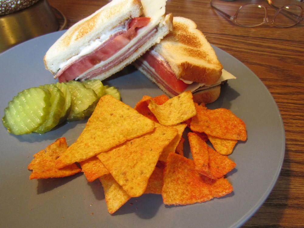 Name:  Sandwich, Roast Beef, Horsey Cheese, Beefsteak Tomato.jpg Views: 121 Size:  97.5 KB
