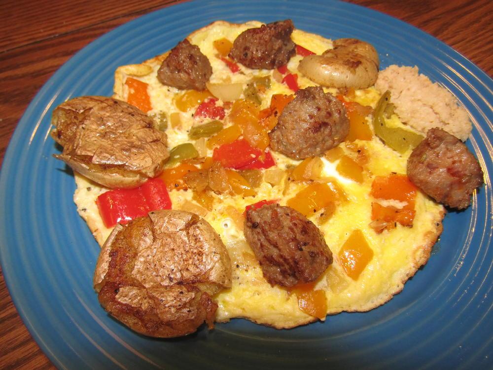 Name:  Sausage, Pepper & Egg, Smashed Yukons.jpg Views: 132 Size:  130.6 KB
